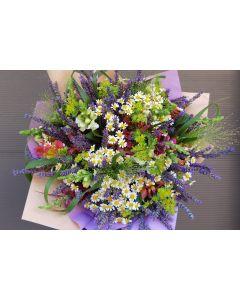 Buchet cu flori de camp