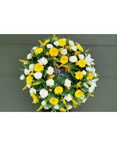 Coroana funerara rotunda cu gerbera, trandafiri si crini