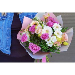 Buchet Rasfat cu trandafiri roz