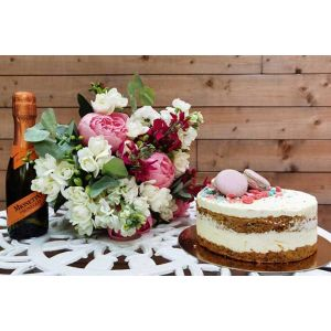 Flori, Tort si Prosecco - La multi ani!